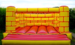 Bouncy Castle,softplaycompany.co.uk